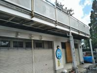 8月11日。柏木・魚六様のひさしの撤去作業をしました。